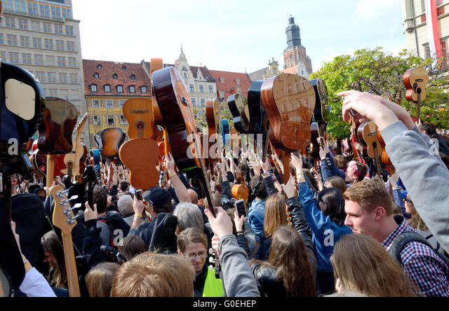 Wroclaw, Poland. 1st May, 2016. Over 7 thousands guitarists achieve new Guiness Record playing Hey Joe during Thanks - Stock Image