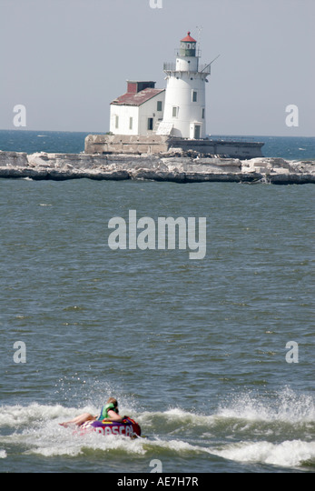 Cleveland Ohio, Lake Erie, Wendy Park, Harbor West Pierhead Lighthouse, - Stock Image