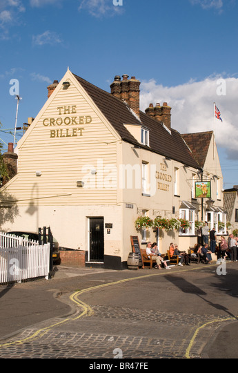 The Crooked Billet pub in Leigh-on-sea, Essex on a sunny day. - Stock Image