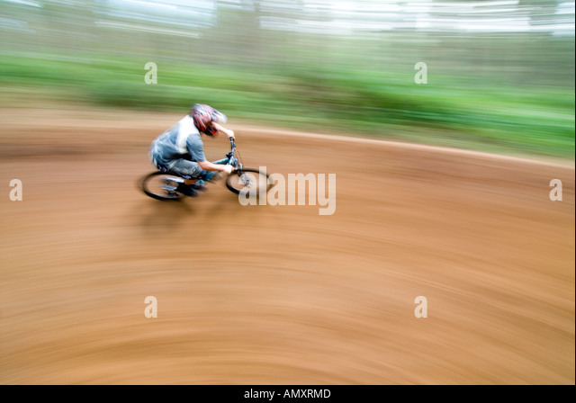 PICTURE CREDIT DOUG BLANE Beds Fat Trax Mountain Biking at the bike park at Rowney Warren Chicksands Bedfordshire - Stock Image