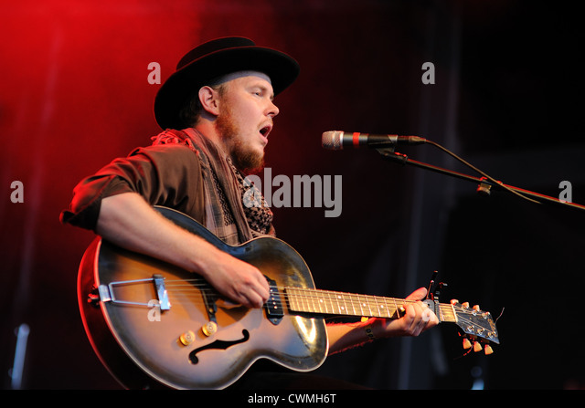 BENICASSIM, SPAIN - JULY 13: Timber Timbre band performs at FIB on July 13, 2012 in Benicassim, Spain. - Stock Image