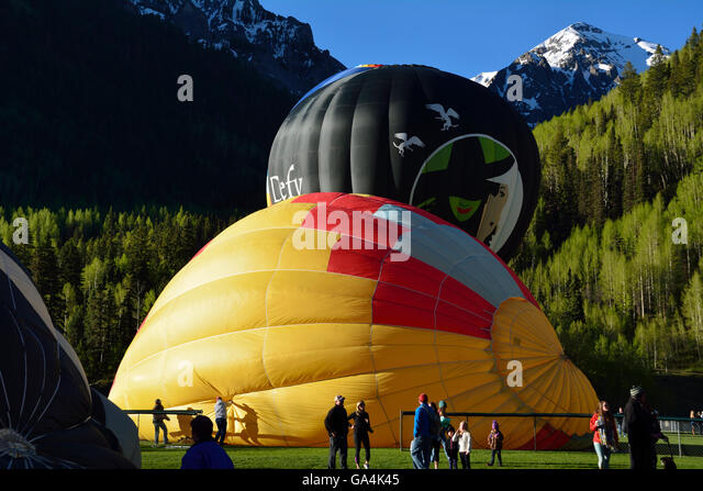 balloons-at-the-2016-balloon-festival-in