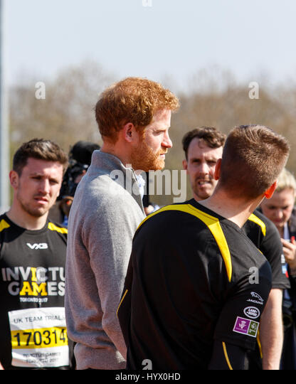 Bath, UK, 7th April, 2017. Prince Harry is pictured talking to Athlete's at the University of Bath Sports Training - Stock-Bilder