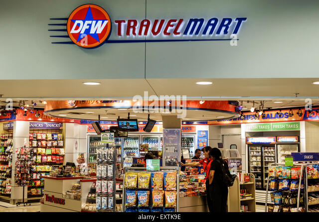 Dallas Texas Dallas Ft. Fort Worth International Airport DFW American Airlines terminal concourse concession DFW - Stock Image