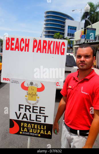 Car Wash Boca Raton >> Valet Parking Person Stock Photos & Valet Parking Person Stock Images - Alamy
