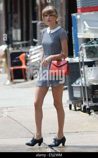 New York, NY, USA. 1st Aug, 2014. Taylor Swift out and about for Celebrity Candids - FRI, New York, NY August 1, - Stock-Bilder