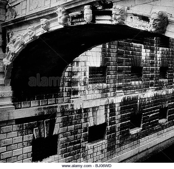 The ?Bridge of Sighs? and the prisons of the Doge?s Palace, Venice, Italy - Stock-Bilder