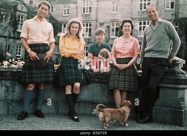 QUEEN ELIZABETH II at Balmoral with Prince Charles,Princess Anne, Prince Edward, Prince Andrew and Prince Phillip - Stock-Bilder