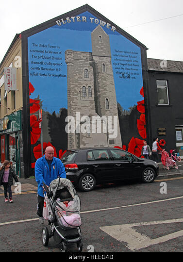 Belfast Unionist, Loyalist Mural of Ulster Tower gable end from battle of the Somme - Stock Image