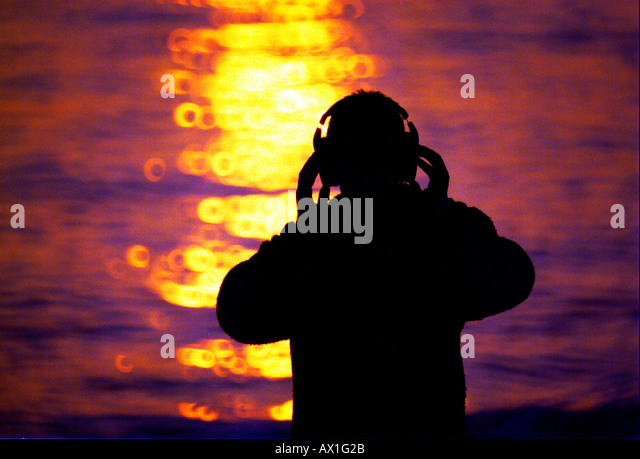 DJ Jayess prepares for an all night gig at a beachside bar in Brighton, Sussex - Stock Image