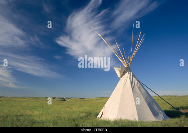 Tepee on the prairie, Wanuskewin Heritage Park, Saskatoon, Saskatchewan, Canada - Stock Image