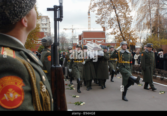 The funeral of the prominent choreographer Igor Moiseev in the New Maiden cemetery - Stock Image