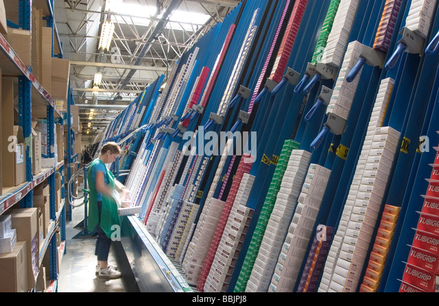 how to arrange a small bedroom pharmaceutical factory workers stock photos 20556