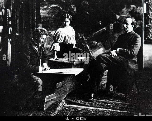 Photograph of Russian artists Ilya Repin (1844-1930) and Marize-Krasnokutskaya with Russian-American actor Gregory - Stock Image