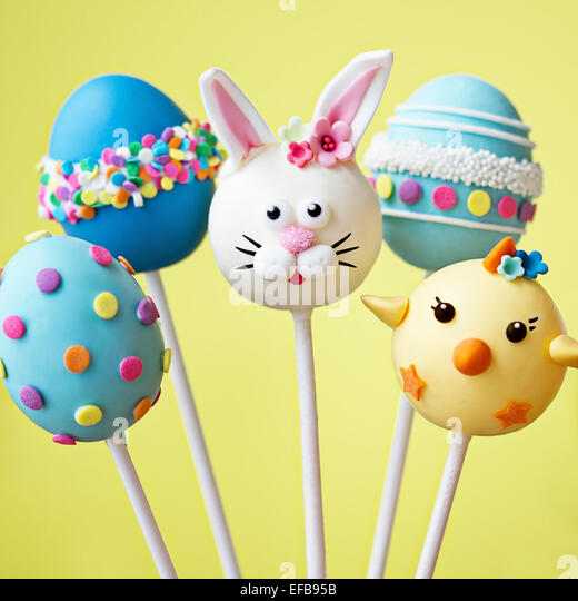 Cake pops with an Easter theme - Stock Image