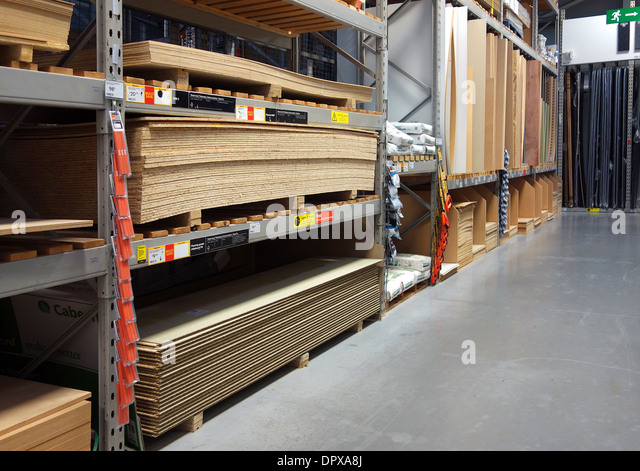 the timber section in a diy store - Stock Image
