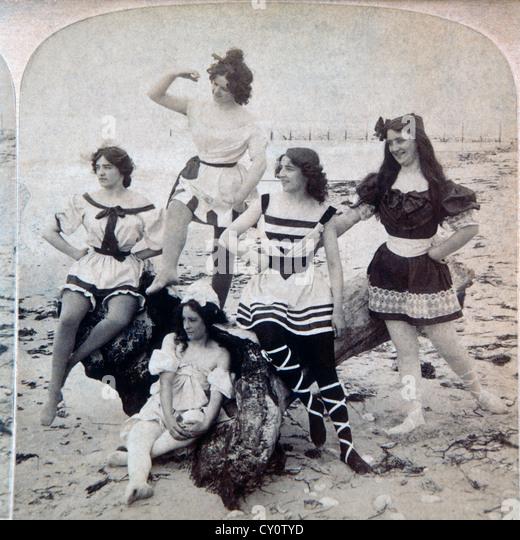 Five Women at Beach USA, Stereo Albumen Photograph, Circa 1897 - Stock-Bilder