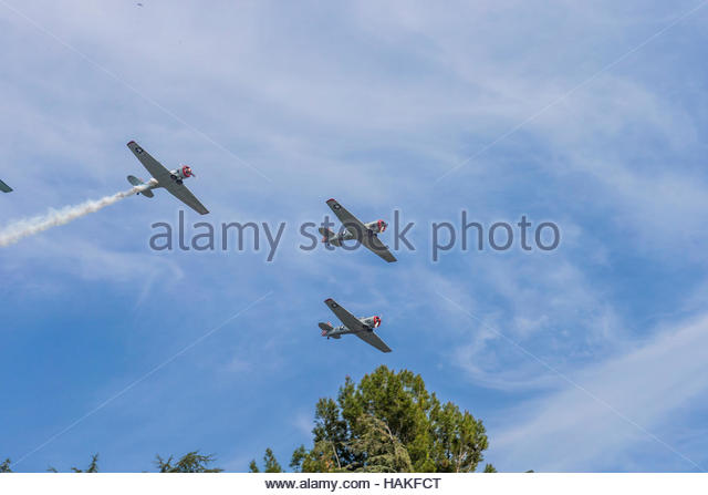 Airplanes Flying in Formation Overhead, Altadena, California, USA - Stock Image