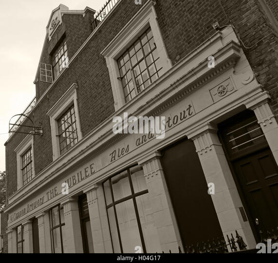 The Jubilee Pub, Ales & Stout building, Somers Town, Euston,Camden, London - Stock Image