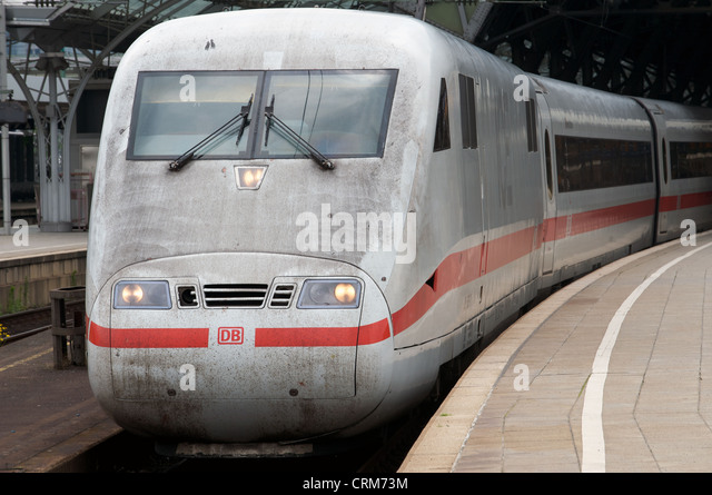 ICE2 (InterCity Express) passenger train Cologne Germany - Stock-Bilder