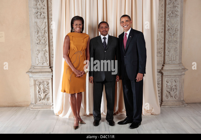meet the press 9 7 08 obama flag