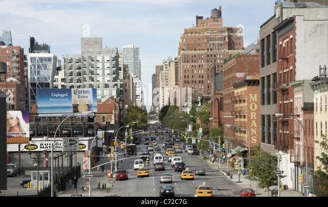 Looking north up 10th Avenue from the High Line around 23rd Street in Manhattan. - Stock-Bilder