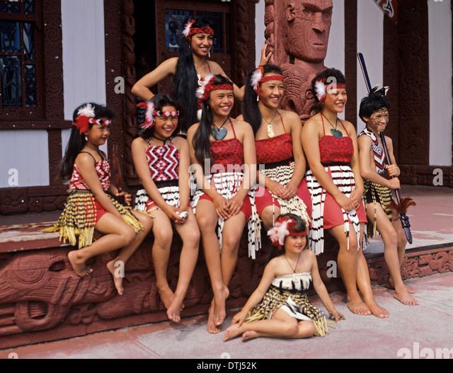 nude maori women