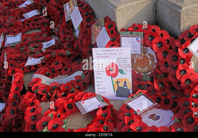 Remembrance day & Poppies Warrington Cenotaph Nov 2014, Bridgefoot, Wilderspool Causeway, Cheshire, England, - Stock Image
