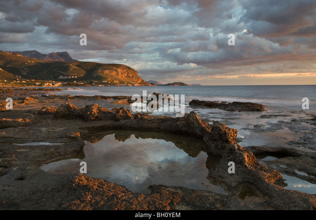 View along the coast between Agios Nikolaos and Agios Dimitrios in the Southern Peloponnese of Greece - Stock Image