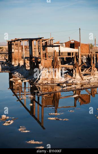 Ruin of house at Bombay Beach, Salton Sea, California - Stock Image