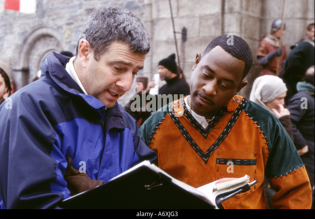 BLACK KNIGHT 2001 Twentieth Century Fox film . Director Martin Lawrence at left with Martin Lawrence - Stock Image