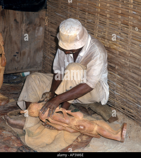 Traditional wood carver, The Gambia, West Africa - Stock-Bilder
