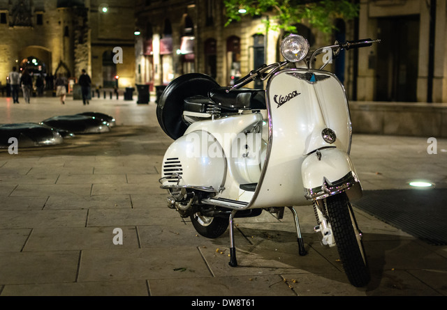 vespa parked stock photos vespa parked stock images alamy. Black Bedroom Furniture Sets. Home Design Ideas