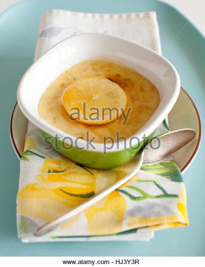Lemon Custard Creme Brulee - Stock-Bilder