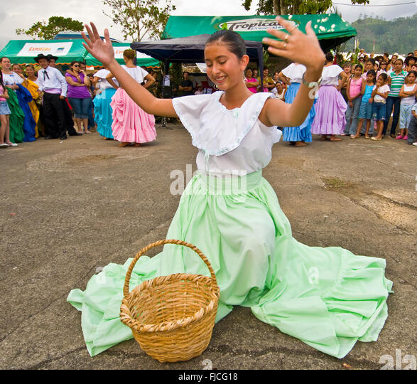 Gracious female performing a dance at the Town festival of Pejibaye, Costa Rica - Stock-Bilder