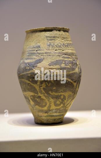 Pottery vesel. Tarut. 2200-1800 BCE. Terracotta. National Museum, Riyadh. Saudi Arabia. - Stock Image