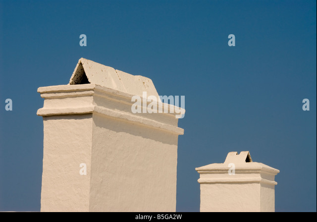 bermuda White chimney white stepped roof classic bermudian architecture - Stock Image