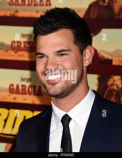 Taylor Lautner, 30.11.2015 - Stock-Bilder
