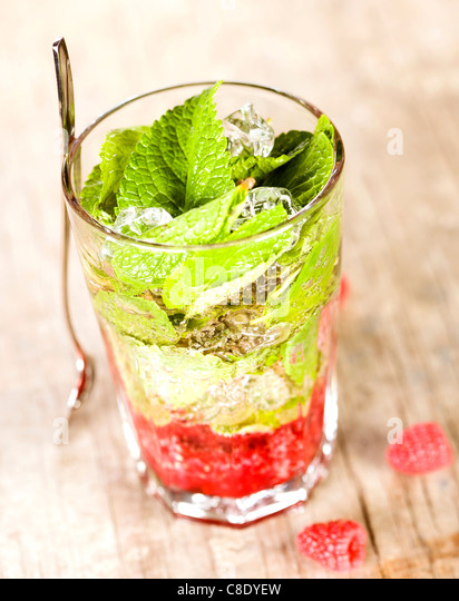 Raspberry and mint Mojito - Stock-Bilder