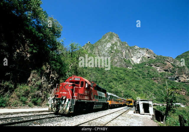 Mexico, Chihuahua State, in the heart of Sierra Madre, arrival of El Chepe Train at Temoris Railway station - Stock Image
