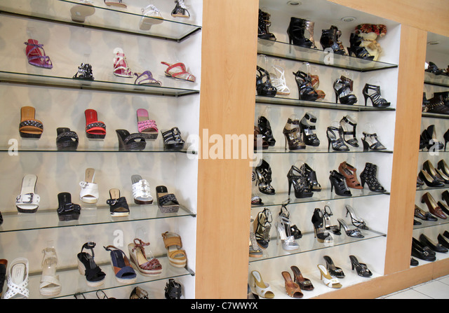 Managua Nicaragua Metrocentro shopping center centre mall business boutique retail shoe store footwear display women's - Stock Image