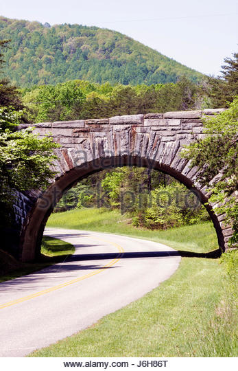 Virginia Roanoke Blue Ridge Parkway Appalachian Mountains stone bridge - Stock Image