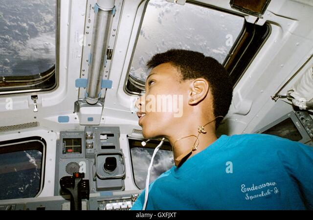 space shuttle mission specialist - photo #38