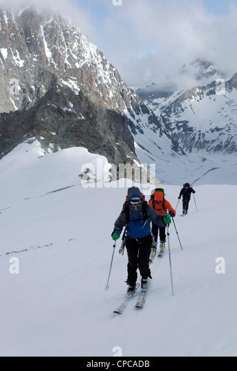 Ski Touring the Central Cascades Details