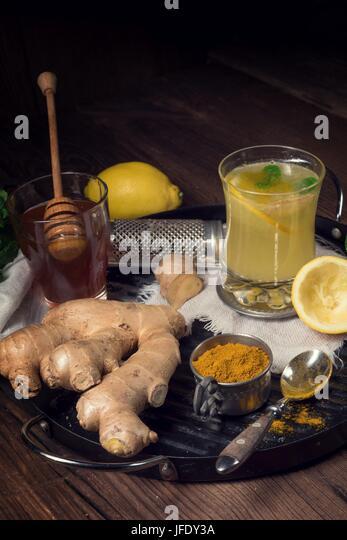 lemon- ginger lemonade with honey - Stock Image