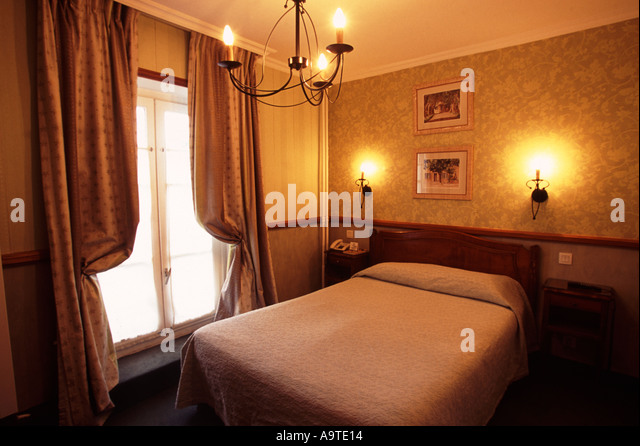 Tour france hotel room stock photos tour france hotel for Hotel sorbonne paris