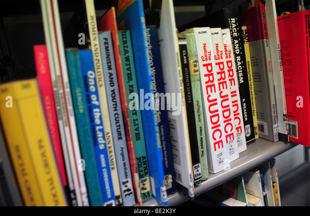 Bookshelf at sixth form further education college - Stock Image