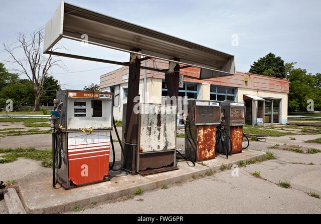 Abandoned gasoline pumps and gasoline station - Stock Image