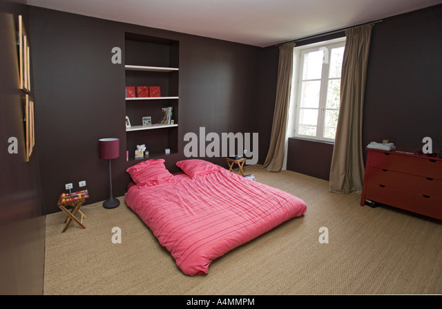 a coucher stock photos a coucher stock images alamy. Black Bedroom Furniture Sets. Home Design Ideas