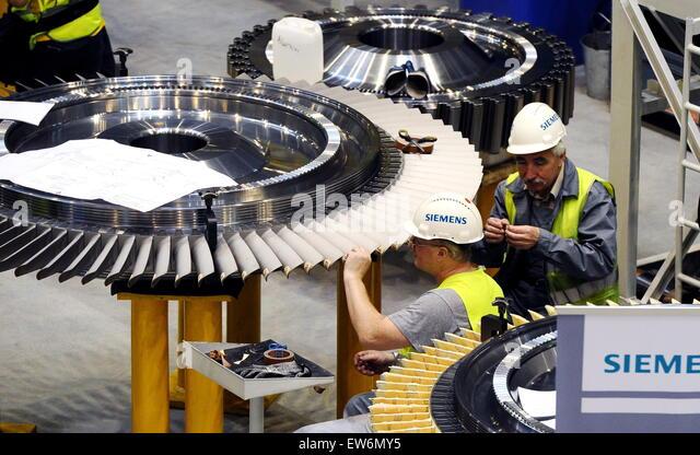 Leningrad Region, Russia. 18th June, 2015. A workshop of the Siemens Gas Turbine Technologies plant, a joint venture - Stock-Bilder